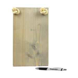 Ontwerp je eigen tekst op steigerhout vergrijsd staand