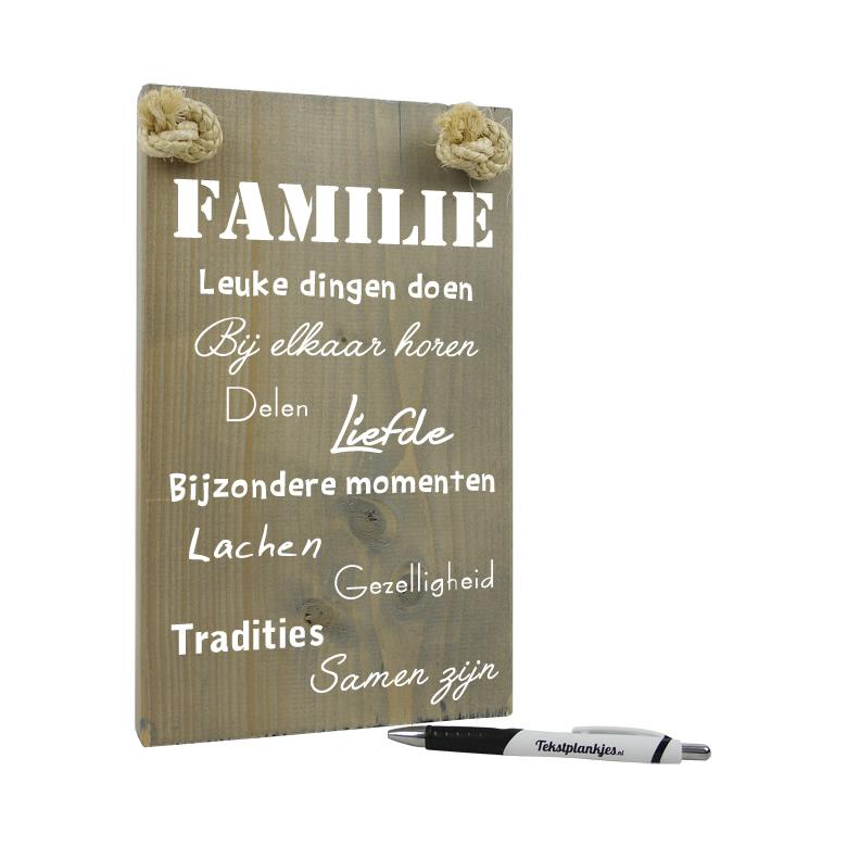 Tekst op hout - familie leuke dingen doen