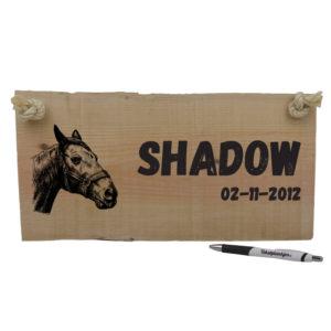 Houten naambordje voor je paard