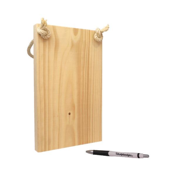Ontwerp je eigen tekst op steigerhout staand
