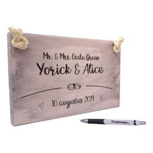 Tekst op hout - huwelijkscadeau trouwplankje - mr en mrs