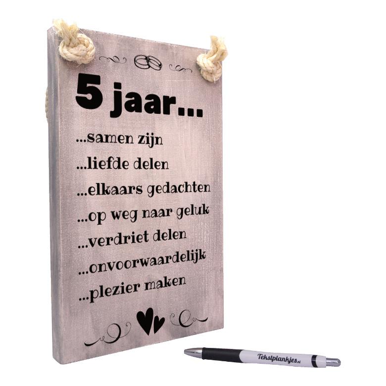 Nieuw Origineel cadeau houten huwelijk - 5 jaar getrouwd - tekst op hout CE-38