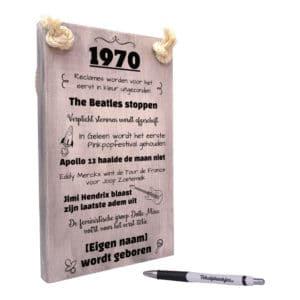 verjaardagscadeau abraham - cadeau 50 jaar 1970 geboren inclusief naam jarige - tekstbord
