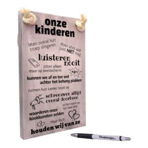 tekst op hout - origineel cadeau voor ouders - cadeau vader - cadeau moeder - onze kinderen - wij houden toch van ze