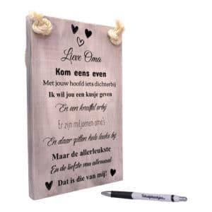 origineel cadeau oma - tekst op hout - tekstbord - tekstplankje - de liefste oma is die van mij